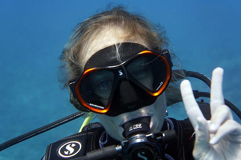 Grace Frank during a survey dive.