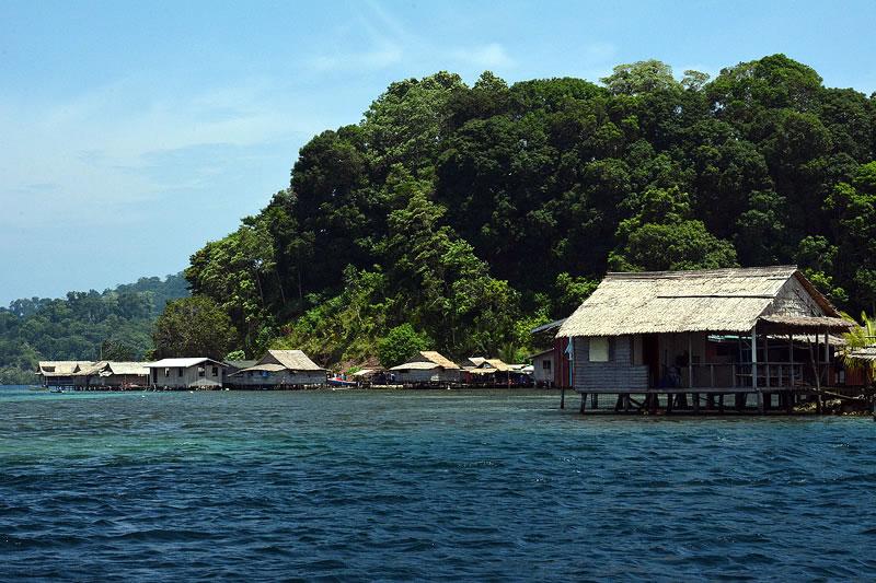 Traditional Dugout Canoes Of Solomon Islands Kslof Living