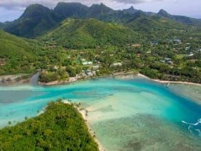 Communities in the Cook Islands use traditional community management to manage their coral reefs
